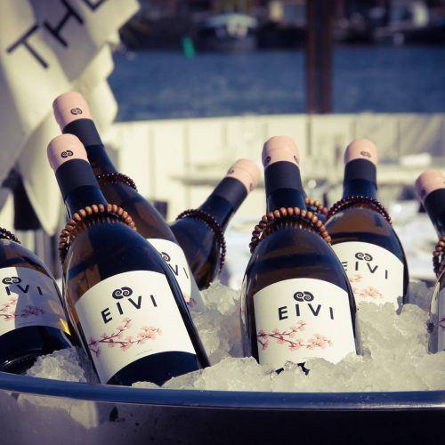 EIVI The Embraced Wine